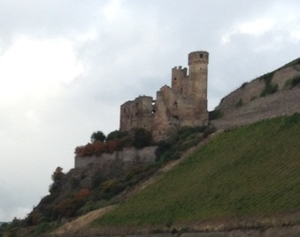 Ehrenfels Castle is a ruined castle above the Rhine Gorge near the town of Rüdesheim am Rhein in Hesse, Germany. It is located on the steep eastern bank of the river amid extended vineyards. The grape variety Ehrenfelser is named after the castle. (Wikipedia)
